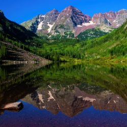 lake in colorado mountains