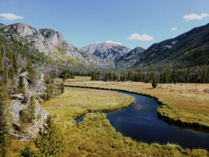 plan perfect travel - scene of rocky mountain national park