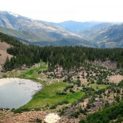 Lake surrounded by mountains in Great Basin National Park